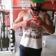 """""""Mas Six porque essa barba grande?"""" Simples porque eu tenho. Kkkk #barba #barbados #beard #bearded #fitnessislife #friday #fitness #focado #6six #followme #photooftheday #gym by 6six_santana"""