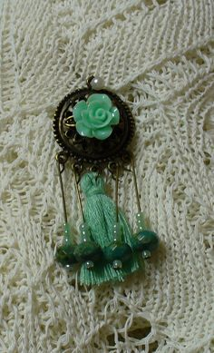 Zöld rózsa medál *Green rose pendant Green Rose, Pendant, Earrings, Jewelry, Ear Rings, Stud Earrings, Jewlery, Jewerly, Hang Tags