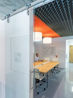 CHA:COL creates tech incubator space in California Acoustic Wall, Acoustic Panels, Office Interior Design, Office Interiors, Office Designs, Office Ideas, Loft Spaces, Small Spaces, Office Spaces