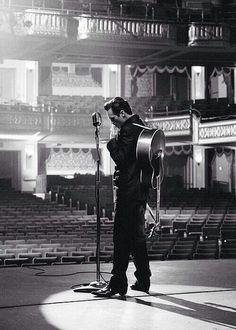 """Hello, my name is Johnny Cash."" Walk the Line, Johnny Cash Johnny Cash, Johnny And June, Johnny Depp, Joaquin Phoenix, Man In Black, Black Men, Black White, Blues, Music Love"