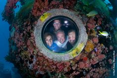 The full Mission Aquarius aquanaut team saying hello to you. Share your messages of support with them here.
