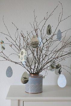 Grey - blue Easter decor