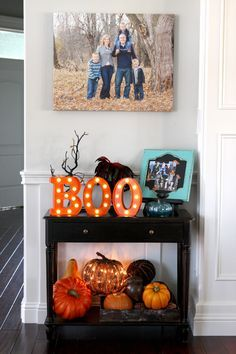 Home Remodel Living Room SPOOKTACULAR FALL DECOR: Who is thinking about fall decor already? Many of these pieces will transition right into Halloween! Tips for getting your home ready for fall! Diy Halloween, Halloween School Treats, Spooky Halloween Decorations, Halloween Home Decor, Fall Home Decor, Holidays Halloween, Happy Halloween, Halloween Mantel, Indoor Fall Decorations