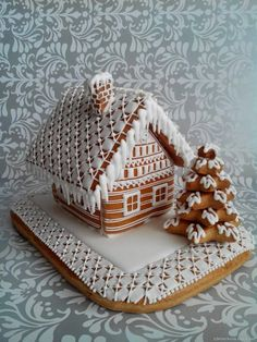 Gingerbread House Designs, Gingerbread House Parties, Christmas Gingerbread House, Gingerbread Houses, Christmas Deserts, Christmas Treats, Christmas Sugar Cookies, Gingerbread Cookies, 24 Kitchen Filipa Gomes