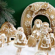 """Tahle """"heboučká"""" dobrota se u nás podávala na závěr štědrovečerní večeře v době, když jsem byla ještě malá holka. Tento zvyk jsem si osvojila a přenesla i do své do... Christmas Ornaments, Holiday Decor, Home Decor, Decoration Home, Room Decor, Christmas Jewelry, Christmas Decorations, Home Interior Design, Christmas Decor"""