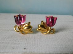Pink and Gold Tulips. Lucite Flower Earrings, Jewelry Design Earrings, Gold Earrings Designs, Kids Earrings, Gold Jewellery Design, Ear Jewelry, Gold Jewelry Simple, Rose Gold Jewelry, Design Art Nouveau