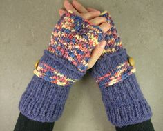 #fingerless mittens  #fingerless gloves  #arm warmers #wrists warmers @pia barile $28.00