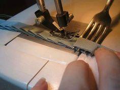 Idea genial para plizar cintas de manera pareja con un tenedor