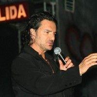 Letra de El Problema de Ricardo Arjona. El Problema lyrics.