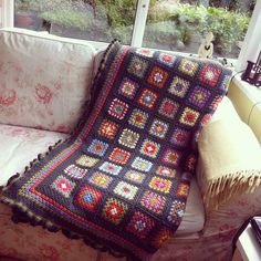 The making of a picnic throw. - Lusciously Loopy...