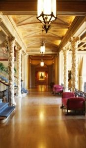 Four city tour of Oklahoma's great mansions. Sites include: the Philbrook Museum, the Marland Mansion and many others.
