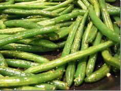 Best string beans I have ever had. Lemon garlic string beans. Garlic, olive oil, lemon juice, pepper