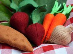 Filz-Gemüse: Yamswurzel, Rüben, Karotten und Zwiebel