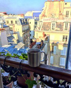 Morning colours!! #morning #paris #france #peace #peaceful #coffee #marais #sun #picoftheday #instagood #city #fashionweek #fashion #light