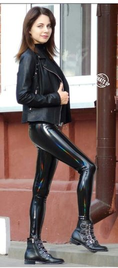 Sehr sexy in Latex pants 👄 Leather pants street style 👄 Legging Outfits, Leder Outfits, Leggings Fashion, Spanx Leather Leggings, Leather Pants Outfit, Leather Tights, Leather Jacket, Sexy Latex, Sexy Outfits