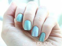 Pupa Holographic Nail Polish Swatch #makeup #trucco #smalto #nail #nails #nailart #nailpolish #review #beauty #beautyblogger #nailmania