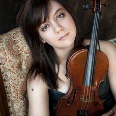 Masterclass de Violino com Francesca Anderegg - Elogiada pelo New York Times, a violinista Francesca Anderegg desempenha-se com igual brilhantismo na música contemporânea e na clássica.