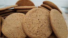 Nagyon egyszerű, nagyon finom gyömbéres keksz recept. Mézeskalácshoz hasonlító fűszerezés, gyerekek kedvence. Recept képekkel, pontos mennyiségekkel. Winter Food, Easy Peasy, Cake Cookies, Biscotti, Christmas Cookies, Nutella, Baking Recipes, Fudge, Deserts