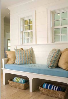 Summer mudroom bench design Ideas may be decorated such in accord with the real tastes from the proprietor. There are many Mudroom bench Ideas units . Rattan, Summer House Interiors, Shingle Style Homes, Small Room Design, Design Room, House Of Turquoise, Bench Designs, Built In Bench, Interior Design Studio