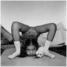Hier, Mary Ellen Mark s'est éteinte à l'age de 75 ans. Pour rendre hommage à cette photographe qui a changé la face du reportage et du portrait, retour en images et en vidéos sur son travail. ………………………… Pour de nombreux magazines tels que Life, Rolling Stones, ou Vanity Fair, ou durant ses années de travail …