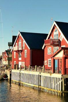 Waterfront in Henningsvær