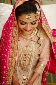 Makeup Artist in Delhi NCR - Deepti Khaitan Find out the best wedding makeup artist in Delhi NCR at Evenddings.