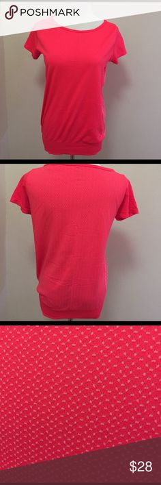 Nike Workout Too Only worn once and in excellent condition. Perfect for working out! Orange/pink color. Dri-Fit and size medium. Nike Tops Tees - Short Sleeve