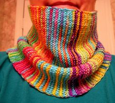 """Free Pattern: Simon Cowl - Ravelry  Why not do the overlapping 11 st whenever change yarn, leaving 1"""" tail dangling?"""
