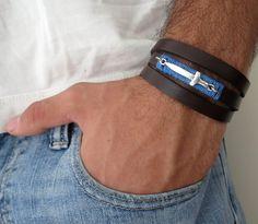 Heren sieraden - mannen zwart lederen armband met zilveren zwaard - Een uniek product van galisjd op DaWanda