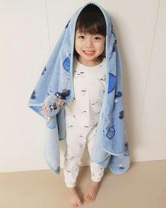 Hong Eunwoo 홍은우😙 pict from ig Cute Asian Babies, Korean Babies, Asian Kids, Cute Babies, Cute Baby Boy, Cute Boys, Baby Love, Little Boy Outfits, Kids Outfits