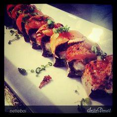 Shrimp tempura, avocado, black rice, peppered salmon, peppered tuna, schiracha deliciousness, truffle drizzle #truffle #tuna #salmon #avocado #blackrice #teak #redbank #rbflavour #sushi #shrimp #insane #delicious #yummy @teakrestaurant