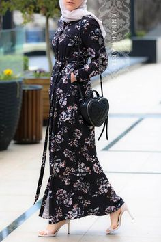 Trendy Ideas For Fashion Hijab Office Maxi Dresses Abaya Fashion, Muslim Fashion, Modest Fashion, Fashion Dresses, Hijabi Gowns, Hijab Dress, Dress Outfits, Dresses For Hijab, Plaid Outfits