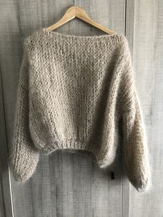 Jumper Patterns, Chunky Knitting Patterns, Chunky Knit Jumper, Mohair Sweater, Cosy Outfit, How To Make Clothes, How To Purl Knit, Knit Fashion, Knit Crochet