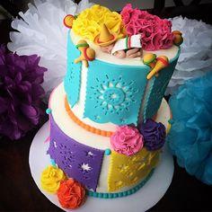 #fiestababyshower #fiestacake #fondantpapelpicado #babyshower #buttercreamcake #mexicancake #customcake #dolcecakesandcookies