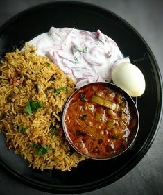 Mushroom Biryani with Mirch Masala Veg Recipes, Vegetarian Recipes, Chicken Recipes, Cooking Recipes, Mushroom Recipes Indian, Indian Food Recipes, Arabic Recipes, Spicy Rice Recipe, Vegetable Biryani Recipe