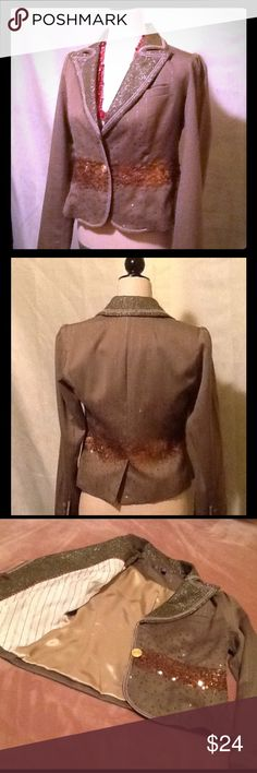 EUC 🌰 TRUE MEANING Toast/Gold Pinstripe Bling 🌰 A blazer with eclectic vintage appeal.  Light brown (toast) pinstripe, scattered gold sequins, velvet buttons, and olive velvet bars inside cuffs; around collar, also alongside button placket, and at front hem.  A perfect complement to your Fall wardrobe.🍂 True Meaning Jackets & Coats Blazers