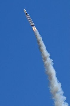 Venture Capitalist 3D Prints a Rocket Faster Than the Speed of Sound for Under $2 | A 3D printed rocket that achieves Mach 1.8 (that's 1,363 mph) in 2.6 seconds and reach an altitude of nearly 9,500 feet. [3D Printing News: http://futuristicnews.com/3d-printing/ 3D Printers for Sale: http://futuristicshop.com/category/3d-printers/ 3D Printing Books: http://futuristicshop.com/category/3d-printing-books/ Space Technologies: http://futuristicnews.com/category/future-space/]