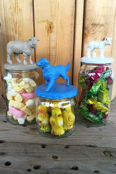 syltetøyglass diy spraymaling Pixies, Snow Globes, To My Daughter, Ornament, Barn, Paper Crafts, Canning, Creative, Diy