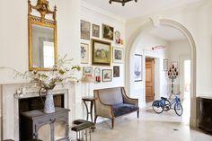 Eclectic Elegance - Hallway Design Ideas & Pictures – Decorating Ideas (houseandgarden.co.uk)
