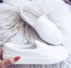 white slip on shoes -  http://www.justtrendygirls.com/slip-on-shoes-fashion-trend/
