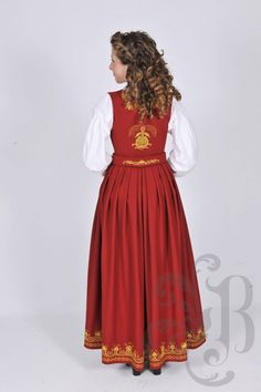 Romeriksbunad Norwegian Clothing, Ethnic Fashion, Classy Clothes, Costumes, Traditional, Oslo, Norway, Beautiful, Dresses