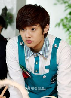 Shin-Won-Ho-cross-gene-31141479-570-789.jpg (570×789)