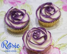 two Tone cupcake roses - looks easier than putting coloring gel onto the bag itself!