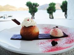 A profound Apocalypse of a modern gastronomic trip to Greece. Panna Cotta, Restaurant, Dishes, Ethnic Recipes, Food, Kitchens, Dulce De Leche, Diner Restaurant, Tablewares
