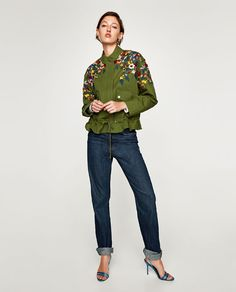 Immagine 1 di PARKA RICAMO FLOREALE di Zara Zara Fashion, Fashion Outfits, Sandy Style, Jean Jacket Styles, Moda Zara, Bordado Floral, Coats For Women, Clothes For Women, Tailored Shirts