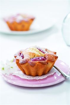 Gâteau moelleux aux prunes - Larousse Cuisine