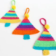 Hi there it's Michelle here and it's that time of the year again! Almost time to deck the halls and all that jazz. Here's a quick and easy little crochet project to brighten up your day. You can make these little crochet Christmas tree decorations as single ornaments to hang from your tree or attach to a gift or why...