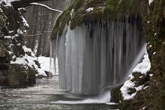 Cascada Bigăr iarna de Petre Dalea - Peisaje Waterscapes (Cascada, România, Bigăr,)