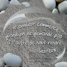 Happiness begins when you don't expect another person to make you feel happy. French Words, French Quotes, Spanish Quotes, Positive Mind, Positive Attitude, Words Quotes, Me Quotes, Jolie Phrase, Serious Quotes