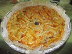FORNELLI IN FIAMME: TART WITH STUFFING OF BERRY JAM AND FRESH PEACHES....